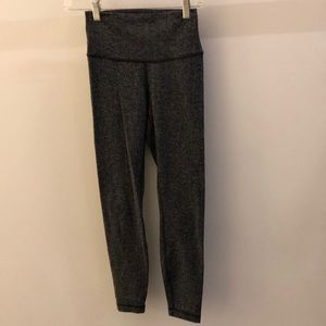 Lululemon black and gray herringbone legging, sz 4